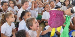 Alunos da rede pública comemoram o mês das crianças em Itatiba