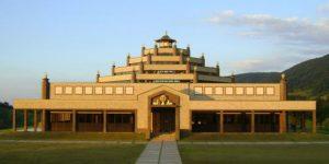 Templo budista encanta turistas em Cabreúva