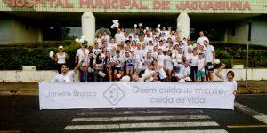 Alunos e professores da UniFAJ participam de ação para cuidados com a saúde mental