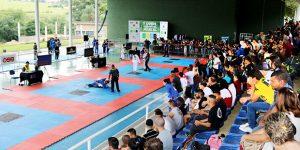 Competição de Jiu-jitsu reúne 500 atletas na UniFAJ