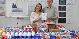 Fundo Social de Americana recebe doações de leite e alimentos