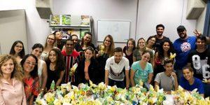UniFAJ entrega ovos de Páscoa à instituições beneficentes