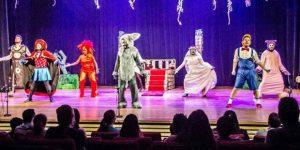 """""""Shrek – O Musical"""" se apresenta no Theatro Municipal Paulínia"""