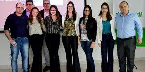 UniFAJ e Sicredi premiam alunos destaques em projeto das instituições