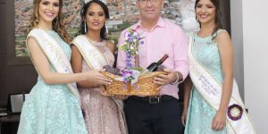 Corte da 57ª Festa da Uva de Vinhedo inicia maratona de entrega de convites para o evento