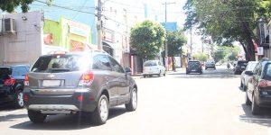 Comércio na avenida Ester tem horário estendido em Cosmópolis