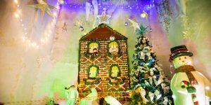 Palácio do Papai Noel emprega papelão, jornal e copos plásticos na decoração em Campinas