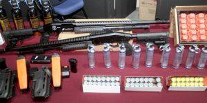Prefeito de Vinhedo entrega novos armamentos e uniformes para a Guarda Civil Municipal