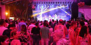 Carnaflores reúne milhares de pessoas em Holambra