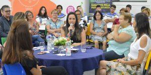 Exposição sobre mulheres que fizeram história no Brasil pode ser vista até o dia 31 na UniFAJ