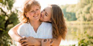 Já sabe o que vai dar de presente para sua mãe? Que tal fazê-la sorrir?