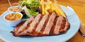 Hoek Burger oferece almoço com excelentes opções de pratos executivos