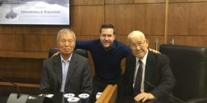 Biblioteca de Itatiba recebe exemplar escrito por sobrevivente de Hiroshima