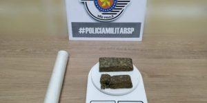 PM prende homem acusado de tráfico de drogas em Artur Nogueira