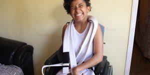 Mãe promove vaquinha virtual para ajudar filha com paralisia cerebral