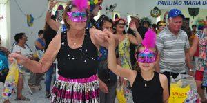 Carnaval de Valinhos tem CarnAUAU e Caixeirosas