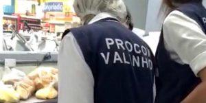 Procon de Valinhos descarta 40 quilos de alimentos vencidos em mercados