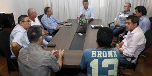 Taxistas pedem apoio da Prefeitura contra entrada do Uber em Jaguariúna
